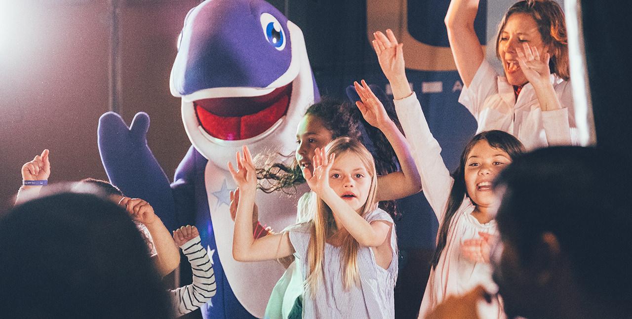 Happy at Sea - Kinder singen den Happy-Song